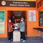 Quatly Serahkan Bantuan Masker KN95 di Puskesmas Weru Sukoharjo