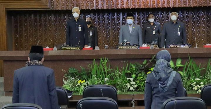 Quatly Pimpin RAPAT PARIPURNA VIRTUAL: Tanggapan Gubernur terhadap Raperda Pembentukan Perangkat Daerah